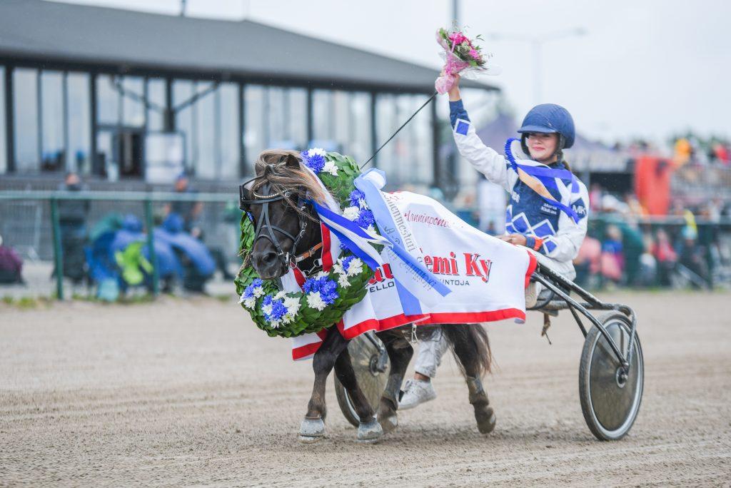 Thorvald voitti suomenmestaruuden Maria Kiukkaan ohjastamana