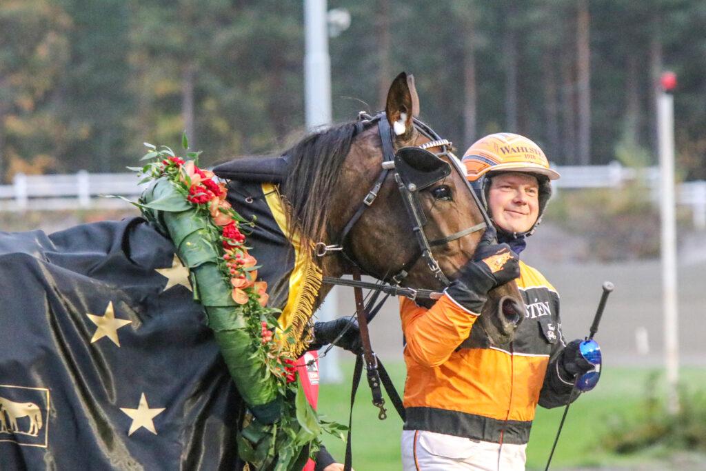 Kriterium-sankari vuosimallia 2021 Planbee ja Tommi Kylliäinen. Kuva: Hippos / Juho Hämäläinen.